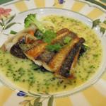 レストラン イグレック - 3675円のコースの魚料理、鯛のムニエルバジルソース