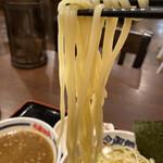 濃厚つけ麺 風雲丸  - 長くて太い麺