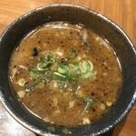 ラーメン 龍の家 - スープ