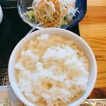韓国家庭料理 炭火焼肉 しんちゃん - 大根サラダとライス