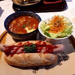 123726085 - ソーセージドッグとスープのセット(1060円) ビーフシチューを選択。