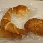 ベーカリーグラース - 料理写真:パン3種