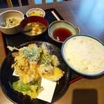 岩田家 - いわし天ぷら定食(750円)