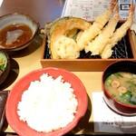 海老勝 - 天ぷら定食♪