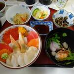 勢登鮨 - 特上海鮮丼