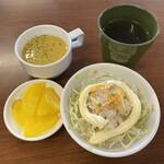 123737909 - コーンスープ、ツナサラダ、セルフのおしんこ、お茶