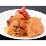 アオヤマ キナ - 渡り蟹のトマトソース リングイネ
