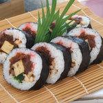 大漁寿し - 料理写真:当店名物 上巻寿し 450円