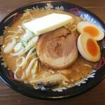 味噌の力 - 料理写真:濃厚味噌らぁめん+味玉+バター