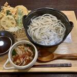 樂乃里 - 釜揚げうどん・肉つけ汁(\650) 野菜天ぷら盛り合わせ(\500)