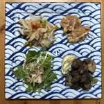 トリヤイチパーセント - 料理写真:自宅でお皿に盛り付けてみました。 注)ハラミは炒める前です