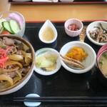 油源 - ・「元祖栃木牛めしセット(¥1250)」