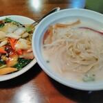 本格台湾料理 紅四季 -