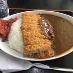 食事処みうら - 料理写真:カツカレー900円です