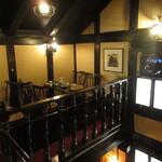 茶廊車門 - 2階席