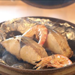 旬魚宝楽焼き!旬の食材を活かした当店のおすすめ看板料理!