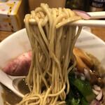 煮干し中華そば 一剣 - 低加水ストレート麺