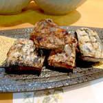 12379845 - カツオの腹皮焼き。カツオのトロ身ならではの旨味、これで芋焼酎をいただく格別の一時