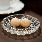 珈琲 山居 - 深煎りの南インド、 スノーボールクッキー