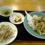 1238308 - 海鮮中華丼 840円
