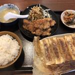 王子西安鍋貼館 - 料理写真:鍋貼定食は920円でした。