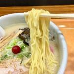 らーめん山頭火 - しおらーめん(催事場Ver.)麺アップ