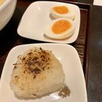 Menyakaijin - 焼きおにぎりと味玉