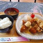 フレール - ・海老フライ&唐揚げ定食(ご飯味噌汁付)1,000円(税込)