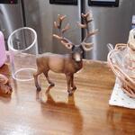 123815296 - カウンター上の鹿の小物