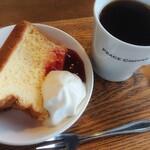 ピースコーヒー - シフォンケーキ、アメリカーノ(ショートサイズ)