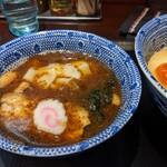 中華蕎麦 金魚 - つけ汁 ねぎ抜きです。