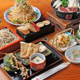粋な宴会の決定版「そばづくし」¥3600