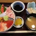 味処旬鮮ごゑん - 料理写真:海鮮丼(1650円+税)