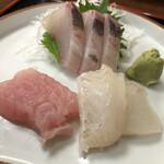 お食事処 秀 - おすすめ定食の刺身♪ (カンパチ・平目・トンボシビ)