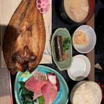 魚がし食堂 中央市場店 - 長女の頼んだホッケ定食