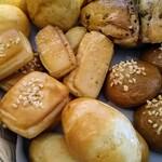 アンシエーヌ - 焼きたてパン
