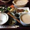 大和田 - 料理写真:丼と比べるといも汁の量の多さが分かる