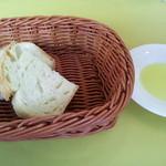 12384211 - トスカーナ風田舎パン(自家製)