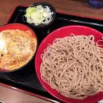 名代 富士そば - ミニひれかつ丼セット(580円)
