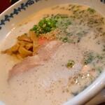 長崎らーめん 西海製麺所 - 料理写真:西海らーめん+焦がしネギのチャーシュー丼(西海らーめん)