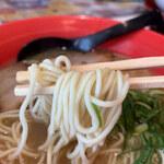 小豆島ラーメンHISHIO - 麺は細麺ストレート