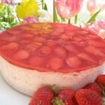 ナチュラルクイーン - いちごのムースケーキ