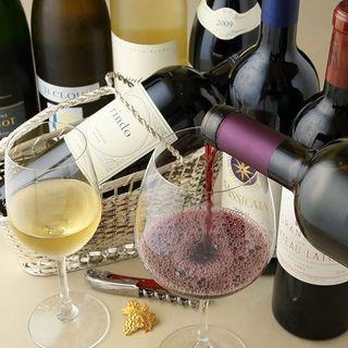 ソムリエが世界各国から厳選する中国料理に合うワインの数々