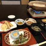 料庭 八千代 - 湯豆腐コース