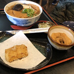 味奈登庵  - きつね蕎麦580円・もち 110円・きつね追加 160円