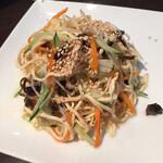 蓬溪閣 - マストアイテムの押し豆腐 細切りの豆腐に様々な味が絡んで美味しいサラダになります