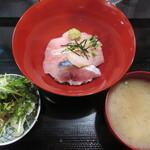 123871175 - 3色海鮮丼  600円