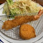 お食事処 秀 - エビフライ・貝柱のフライ