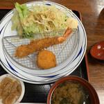 お食事処 秀 - お味噌汁・小鉢付き♡