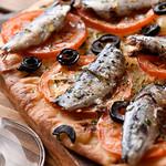 寄りみちバル CHILLAX - スパニッシュ・ピッツァ・コカ スペインのピザ、サッパリしてるのでお1人様でもペロリッ。